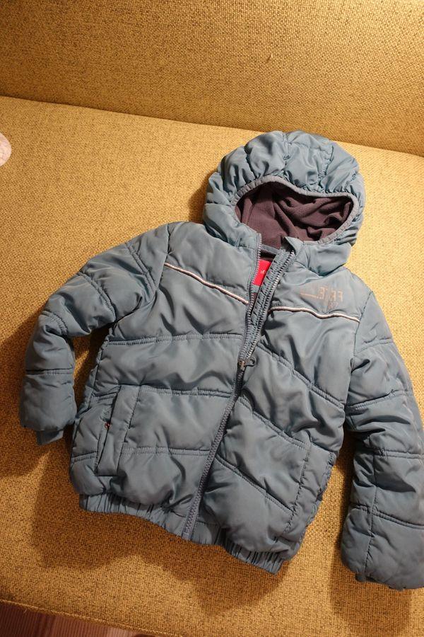 Gebraucht, Winterjacke der Marke S.OLIVER, Gr. 110, hellbl gebraucht kaufen  69214 Eppelheim
