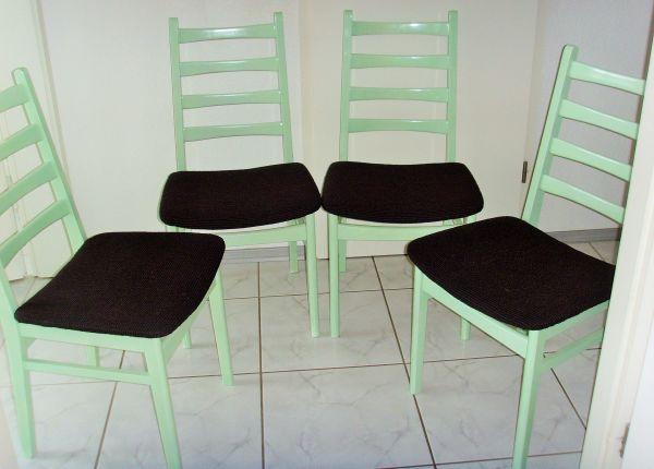4 Esszimmer-Stühle - Bruchsal - Verkaufe sehr schöne 4-Holzstühle, welche neu aufbereitet worden sind. - Bruchsal