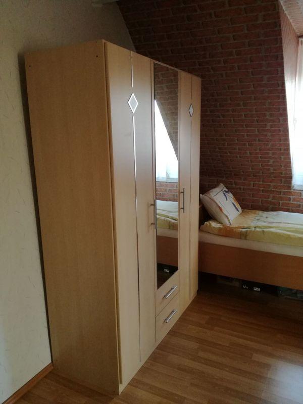 kleiderschrank jugendzimmer gebraucht kaufen 3 st bis. Black Bedroom Furniture Sets. Home Design Ideas