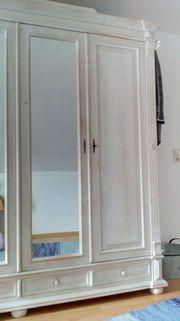 Kleiderschrank Massivholz weiß gewachst