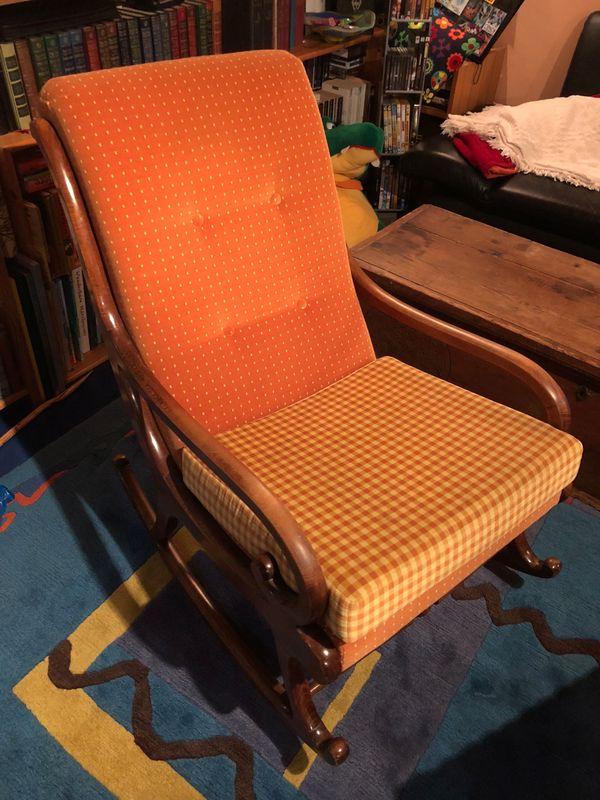 Antiker schaukelstuhl kaufen antiker schaukelstuhl gebraucht - Schaukelstuhl gepolstert ...