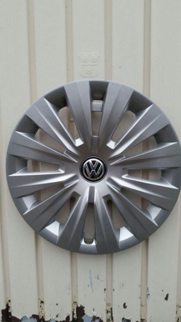 VW Radkappen 15Zoll - Löchgau - Verkaufe orginal VW Radkappen in der Größe 15Zoll. Passend auf Golf 4 - 7, Polo, Passat, Caddy, Sharan, Touran. Versand möglich - Löchgau