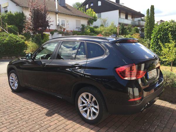 BMW X1 sDrive18d - Newel - BMW, X1, SUV/Geländewagen, Diesel, 105 kW, 63000 km, EZ 11/2014, Automatik, Schwarz Metallic, Scheckheftgepflegt, Nichtraucherfahrzeug. Sehr gepflegtes Fahrzeug mit folgender Ausstattung: ABSPartikelfilterESPNebelscheinwerferXenonscheinwerferServ - Newel