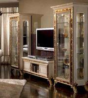 italienische vitrine haushalt m bel gebraucht und neu kaufen. Black Bedroom Furniture Sets. Home Design Ideas