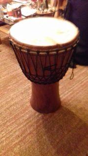 Afrikanische Djembe (Trommel)