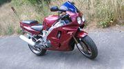 Honda CBR 900rr sc 28