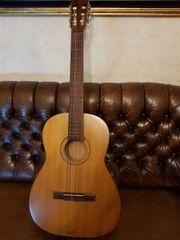 Gitarre HÖFNER 4 4