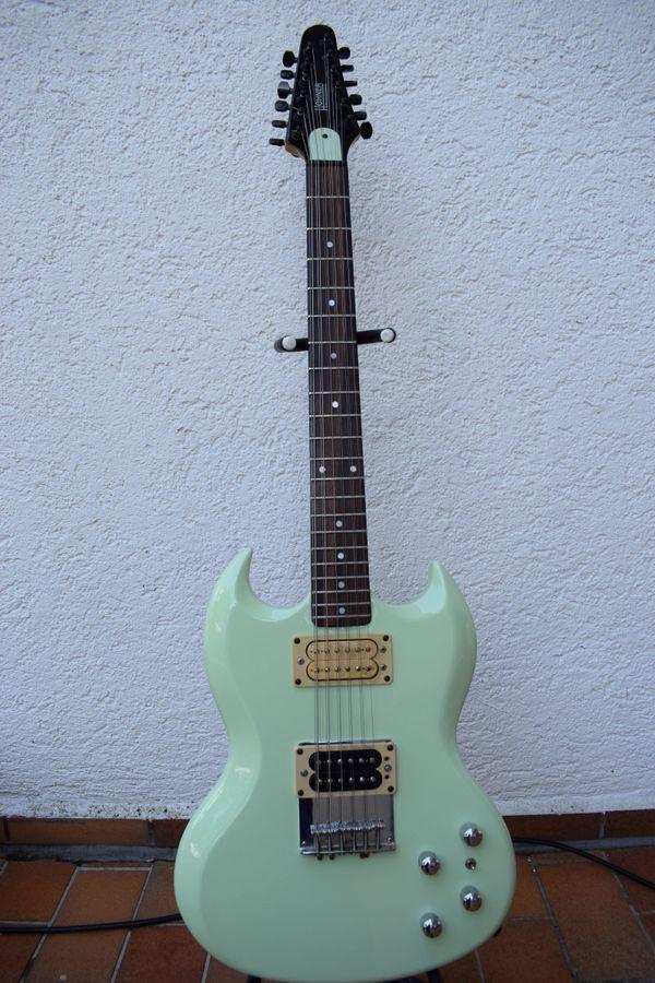 E-Gitarrre 12-saitig SG-Form