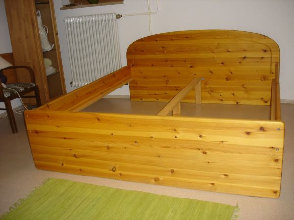 bettgestell kiefer kaufen bettgestell kiefer gebraucht. Black Bedroom Furniture Sets. Home Design Ideas
