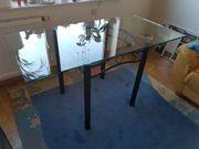 Tisch mit Glasplatte Maße B140xT70cmx75H