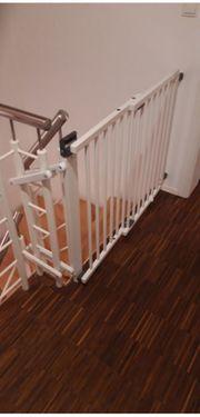 Schwenk-Treppenschutzgitter von Geuther mattweiß