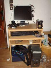 Kleiner Computertisch mit
