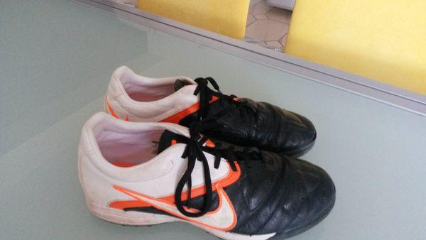 9cdc8ed30152 Nike Schuhe Hallenschuhe Gr.40, sehr gut erhalten, wenig getragen in ...