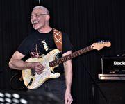 Bassist und Gitarrist suchen Mitmusiker