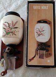 Kaffeemühle - Wandkaffeemühle mit Blumen Muster