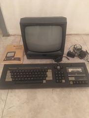 Computer Schneider mit Monitor und