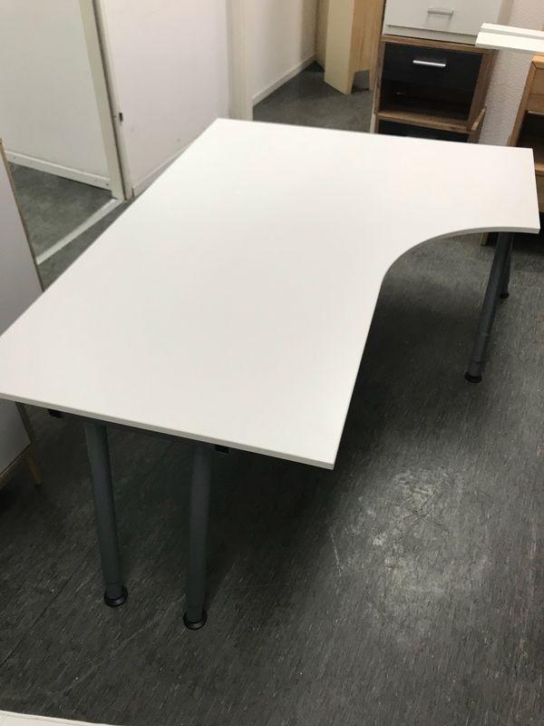 Schreibtisch ikea galant  IKEA Galant Eck - Schreibtisch höhenverstellbar in Neu-Isenburg ...