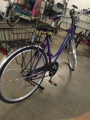 retro mädchen Fahrrad