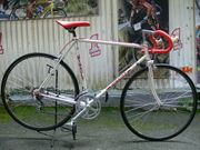 Straßenrennrad von BERNARD