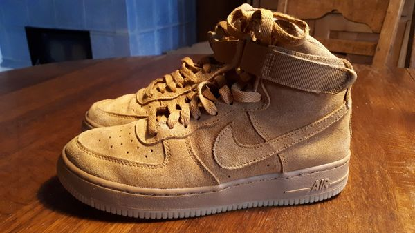 3826c1c9a98ce7 Nike Air Force 1 HIGH LV8