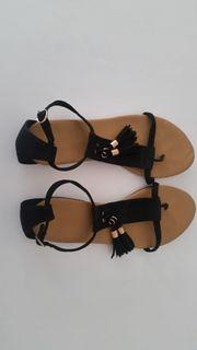 Zehentrenner Sandalen - verschiedene Modelle