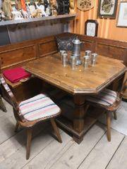 Eckbank mit Tisch Stühle
