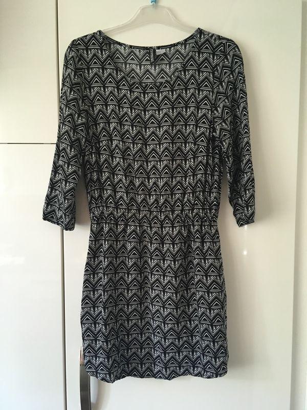 Kleid Größe S von H M schwarz weiß Herbst in Augsburg ... aea1b45dca