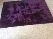 Flauschiger Teppich, lila