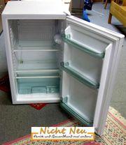 Mittelgroßer Kühlschrank von Continent