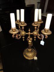Tischlampe in Messing