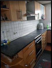 Große Küche mit Rondell Aporhekerschrank