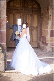 Brautkleid mit Schleier,