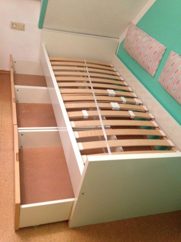 Bett Ikea Brekke mit ausziehbaren Schubladen und Lattenrost in ...