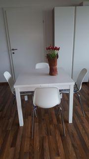 Tisch mit 4 Stühlen ausziehbar