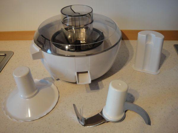 küchenmaschine mit messer