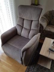 Senioren-Sessel Aufstehhilfe 1 Jahr alt