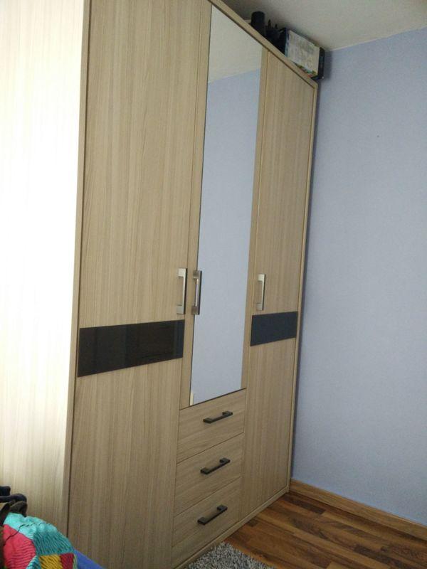 Kleiderschrank für (Jugend-) Schlafzimmer zu verkaufen in Augsburg ...