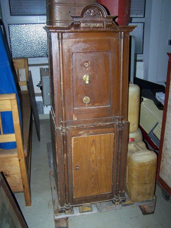 antiker geldschrank gebraucht kaufen nur 2 st bis 65 g nstiger. Black Bedroom Furniture Sets. Home Design Ideas
