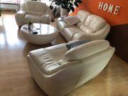 Sofa und zwei Sessel Echt