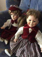 2 Puppen