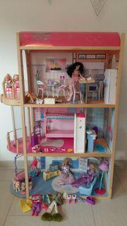 Barbiehaus mit viel Interieur