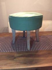 Hocker Stuhl Türkis mit silberfarbenen