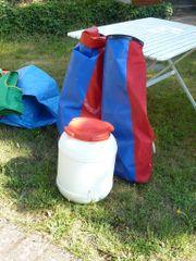 Schwimmwesten und Drypacks