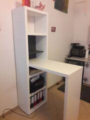 Praktische Regal-Tisch-