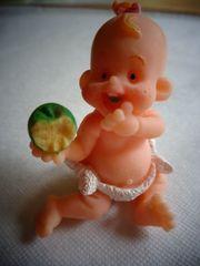 Spielzeug kleines Püppchen
