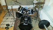 Pearl Schlagzeug (schwarz)