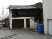 Garage mit Nebenraum und Dachstuhl