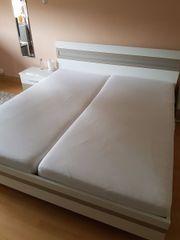Schönes Bett (180x200),