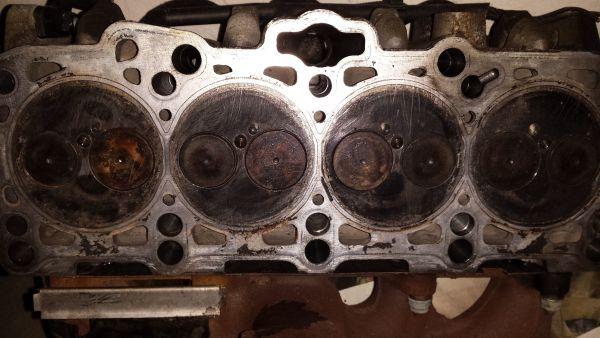 Zylinderkopf mit Turbolader für Skoda Octavia, TDI 110 PS zu verkaufen. - Burgoberbach - Der Zylinderkopf ist ca. 120000 km gefahren und in tadellosem Zustand. Ich habe mir den Zylinderkopf für meinen Octavia vor ca. 5 Jahren gekauft, da ich vermutete, dass sich meiner verabschiedet (aber er hielt durch). Dieser Zylinderkopf p - Burgoberbach