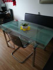 Glastisch mit 2
